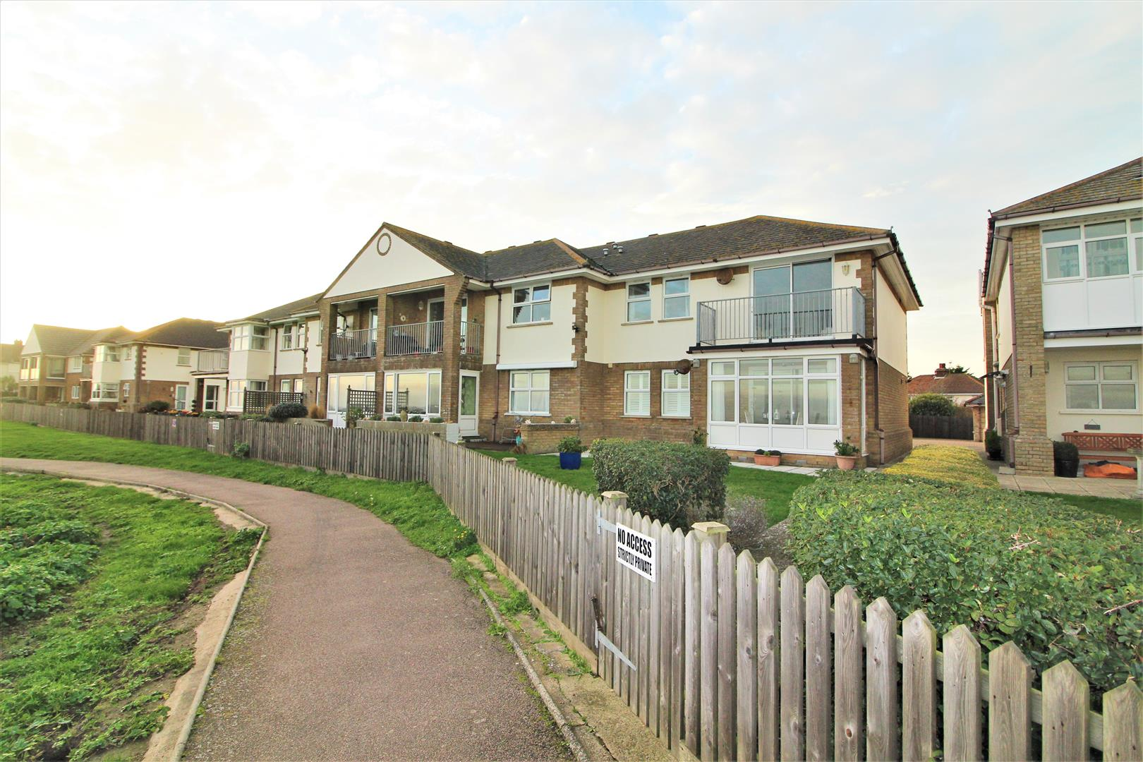 Seaview Heights, Walton On The Naze, Essex, CO14 8ET